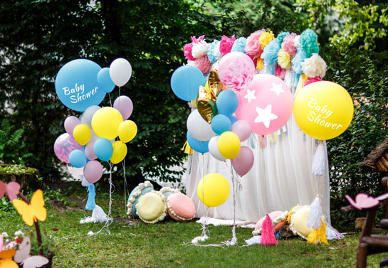 Outdoor baby shower decors with balloons