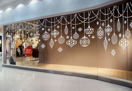 shop window christmas decoration idea with ornament stickers