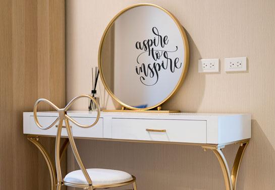 Aspire to Inspire creative DIY home mirror decor
