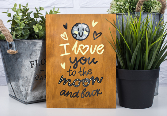 Love You To The Moon And Back wooden decor idea
