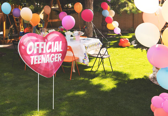 Official teenager backyard party decoration
