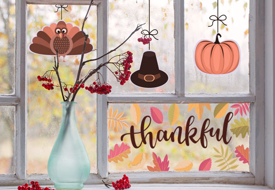 Thankful holiday window decorating idea for Thanksgiving