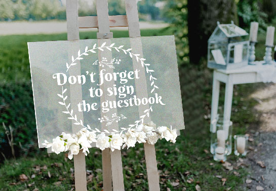 elegant acrylic wedding sign idea