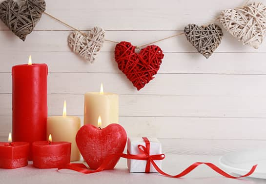 candles and hearts valentine table decoration idea