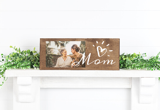 Mother's day woodworking idea with a mother and daughter photo display