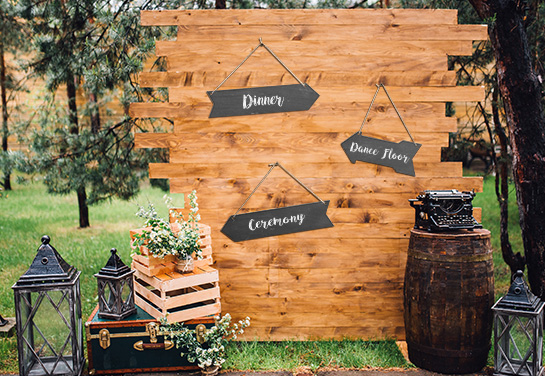 outdoor wedding signpost idea