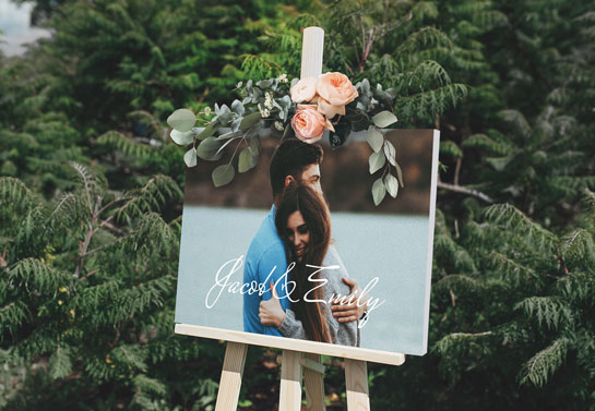 simple outdoor wedding canvas decor with relationship photo