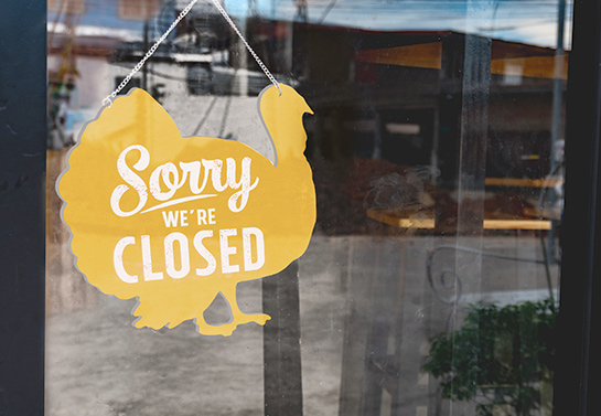 custom turkey-shaped Thanksgiving closed sign in yellow