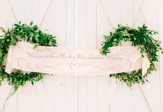 wedding party welcoming banner idea in pastel color