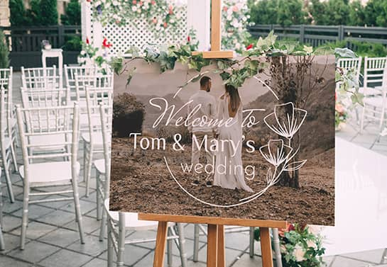 wedding welcome sign idea with a couple's photo print