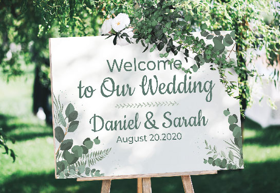 white wedding welcome sign idea for outdoor