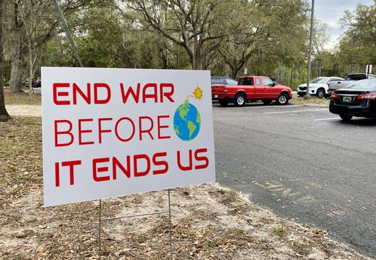 protest  yard sign idea for ending war